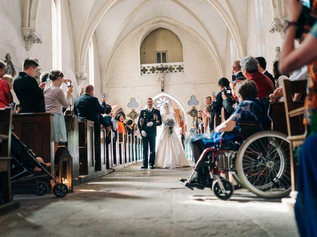 Le mariage de Damien et Elizabeth à Saint-Ambreuil, Saône et Loire 9