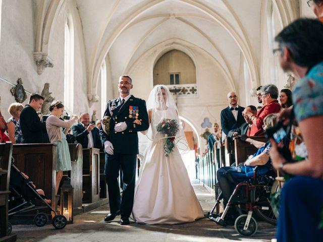 Le mariage de Damien et Elizabeth à Saint-Ambreuil, Saône et Loire 10