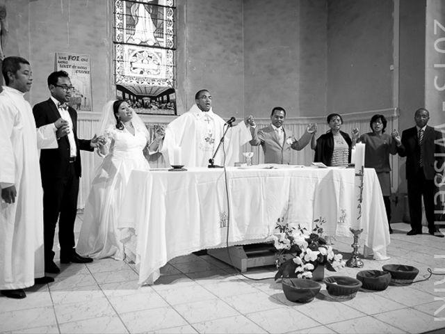 Le mariage de Holy et Yves à Vigneux-sur-Seine, Essonne 24