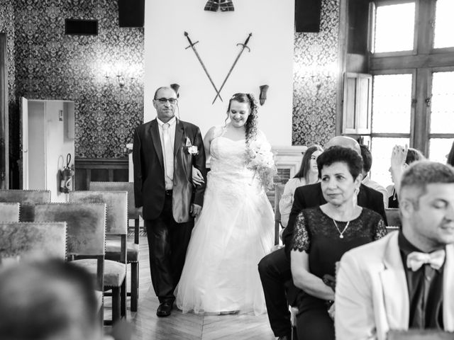 Le mariage de Esin et Jessy à Vendôme, Loir-et-Cher 14