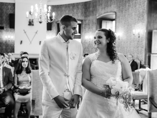 Le mariage de Esin et Jessy à Vendôme, Loir-et-Cher 15