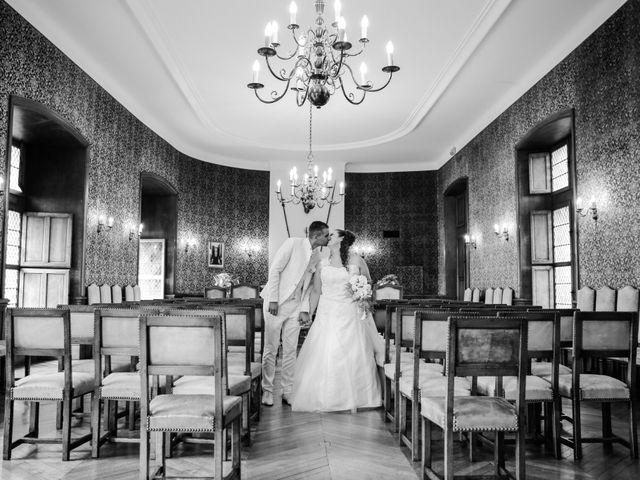 Le mariage de Esin et Jessy à Vendôme, Loir-et-Cher 16