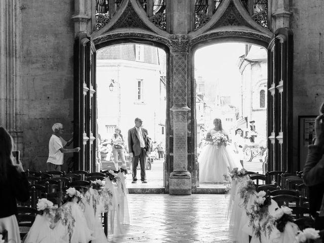 Le mariage de Esin et Jessy à Vendôme, Loir-et-Cher 21
