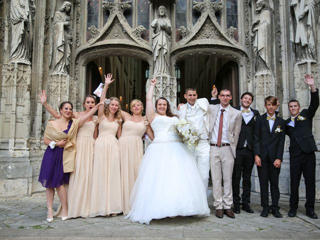 Le mariage de Esin et Jessy à Vendôme, Loir-et-Cher 29
