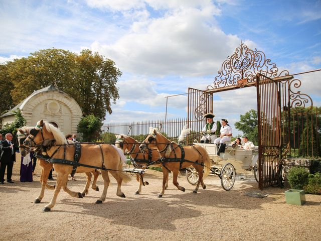 Le mariage de Esin et Jessy à Vendôme, Loir-et-Cher 31