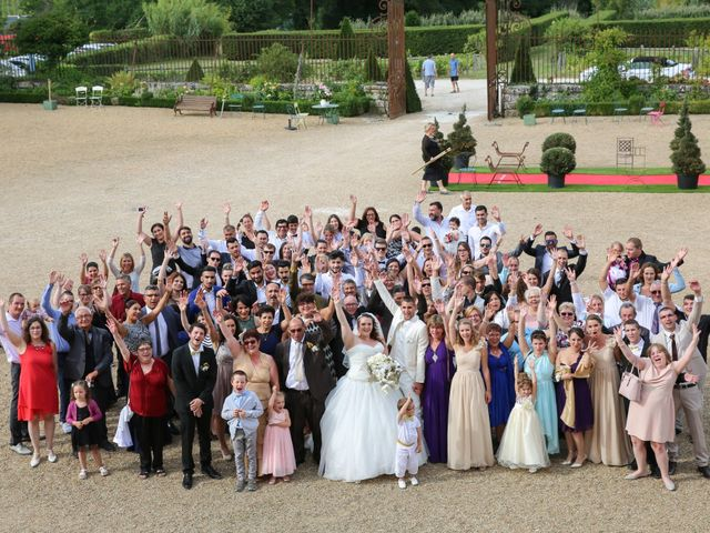 Le mariage de Esin et Jessy à Vendôme, Loir-et-Cher 33