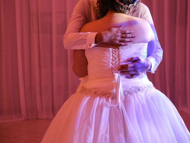 Le mariage de Esin et Jessy à Vendôme, Loir-et-Cher 60