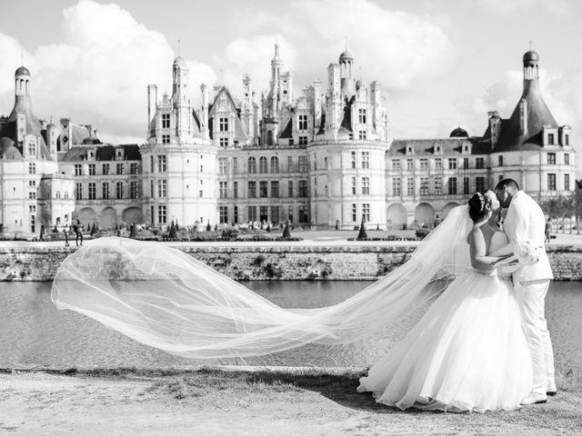 Le mariage de Esin et Jessy à Vendôme, Loir-et-Cher 74