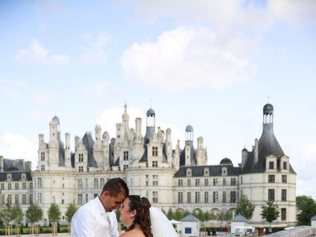 Le mariage de Esin et Jessy à Vendôme, Loir-et-Cher 76