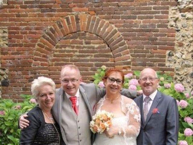 Le mariage de Eric et Sophie à Ons-en-Bray, Oise 14