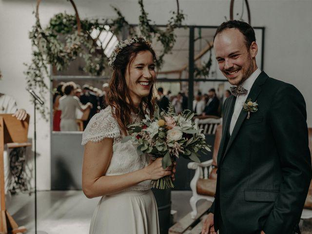 Le mariage de Sixtine et Pierre à Bourg-de-Thizy, Rhône 37