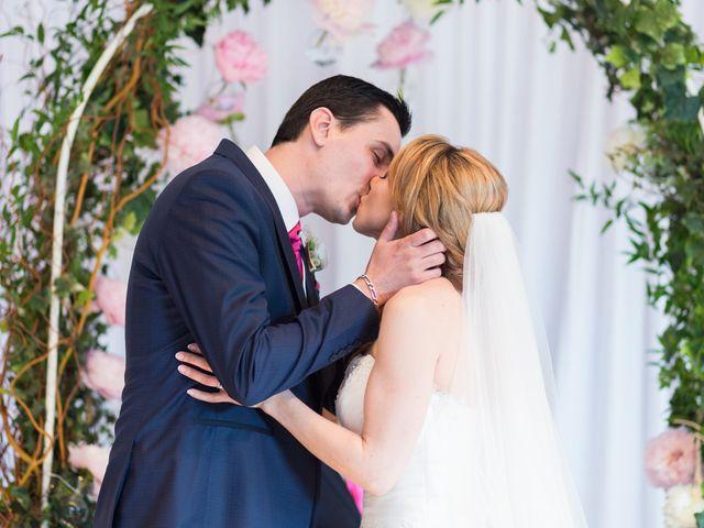 Le mariage de Damien et Mélissandre à Issy-les-Moulineaux, Hauts-de-Seine 35