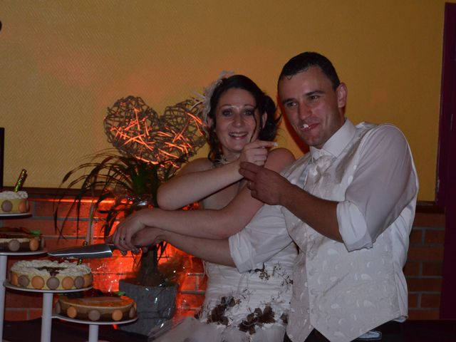 Le mariage de Mélinda et Cédric à Hautmont, Nord 35