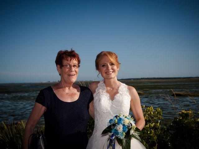 Le mariage de Olivier et Charlène à Theix, Morbihan 22