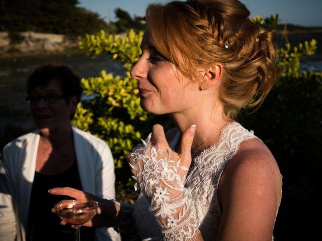 Le mariage de Olivier et Charlène à Theix, Morbihan 23