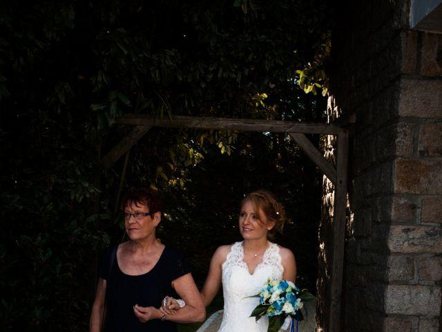 Le mariage de Olivier et Charlène à Theix, Morbihan 33