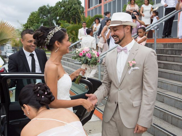 Le mariage de Vincent et Audrey à L'Étang-Salé, La Réunion 24