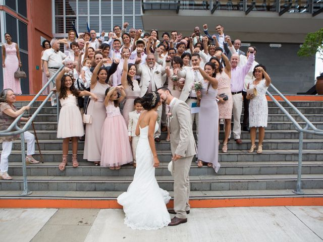 Le mariage de Vincent et Audrey à L'Étang-Salé, La Réunion 29