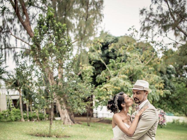 Le mariage de Vincent et Audrey à L'Étang-Salé, La Réunion 41