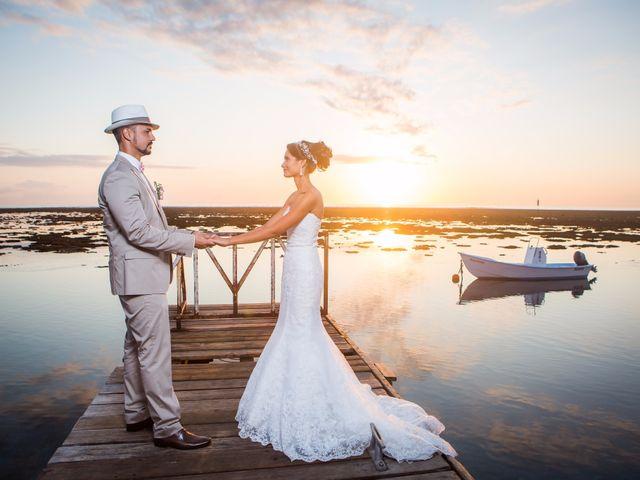 Le mariage de Vincent et Audrey à L'Étang-Salé, La Réunion 44
