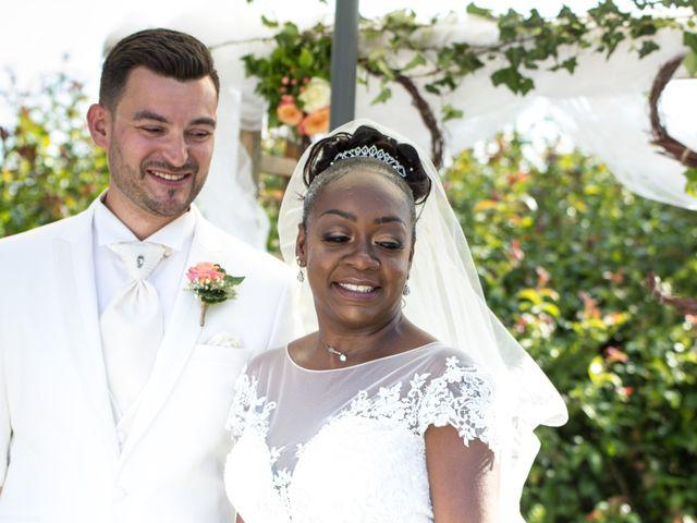 Le mariage de Daniel et Sandra à Ons-en-Bray, Oise 16