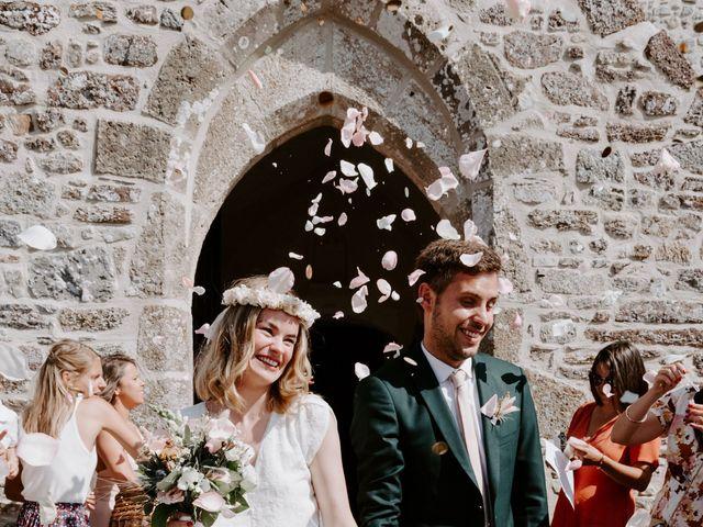 Le mariage de Vincent et Caroline à Heugueville-sur-Sienne, Manche 42