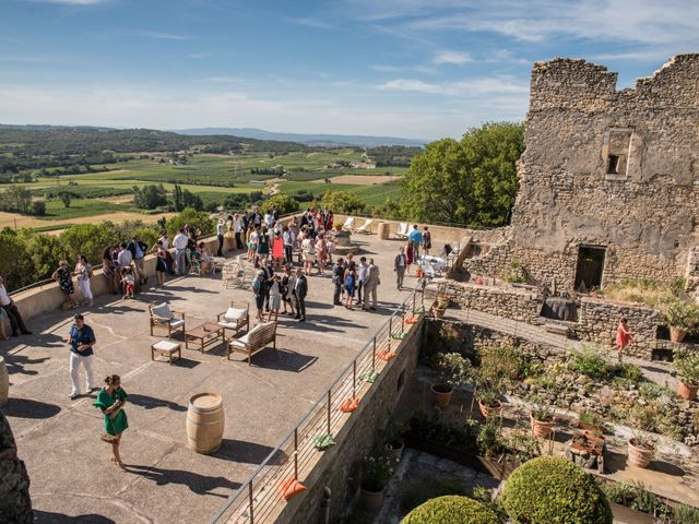 Le mariage de Thomas et Claire à Bagnols-sur-Cèze, Gard 30