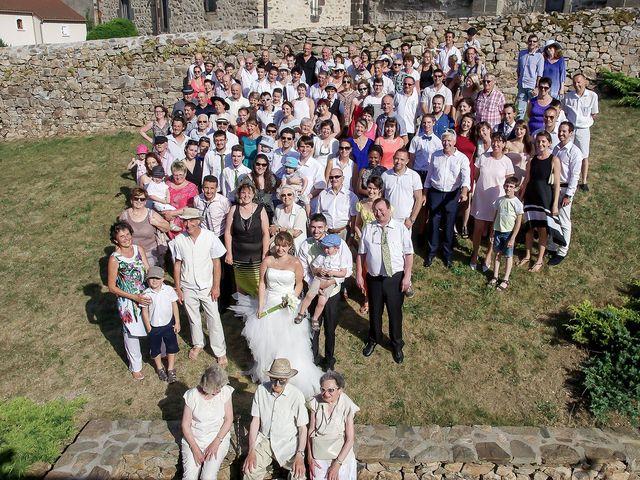 Le mariage de Dionysse et Kevin à Villeneuve-d'Allier, Haute-Loire 26