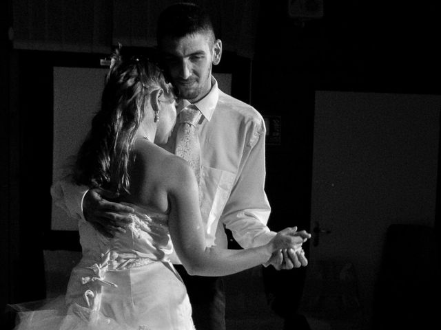 Le mariage de Dionysse et Kevin à Villeneuve-d'Allier, Haute-Loire 28