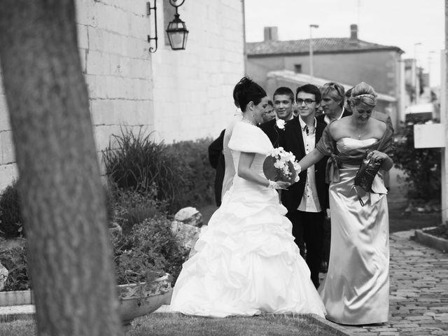 Le mariage de Emilie et Sylvain à Sémussac, Charente Maritime 9
