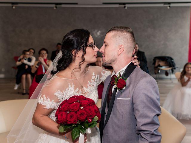 Le mariage de Vanessa et Nicolas à Saint-Priest, Rhône 17
