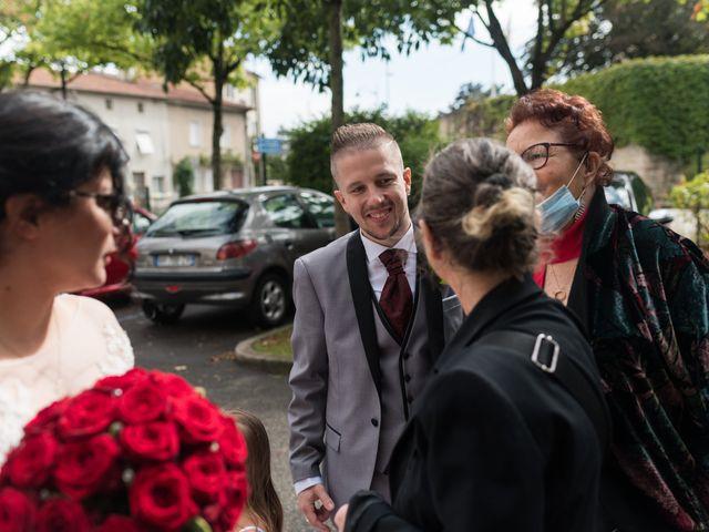 Le mariage de Vanessa et Nicolas à Saint-Priest, Rhône 29