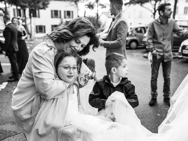Le mariage de Vanessa et Nicolas à Saint-Priest, Rhône 31