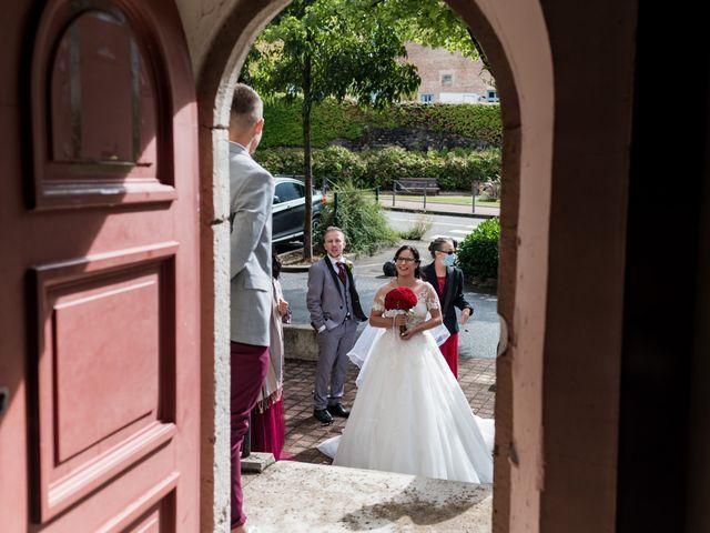 Le mariage de Vanessa et Nicolas à Saint-Priest, Rhône 35