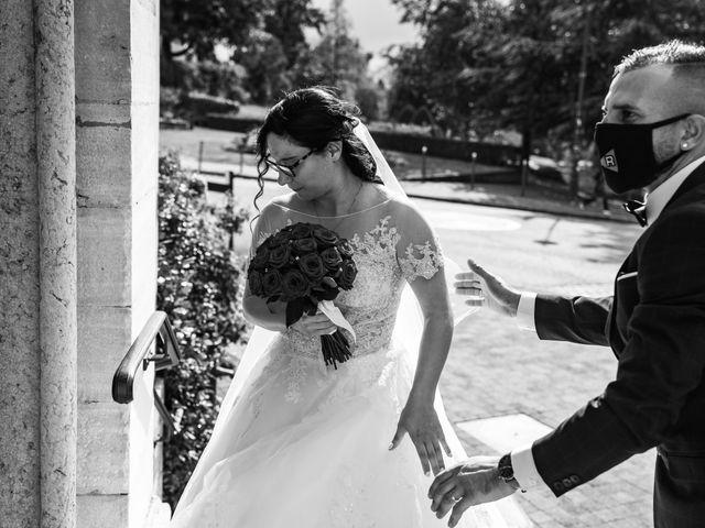 Le mariage de Vanessa et Nicolas à Saint-Priest, Rhône 37