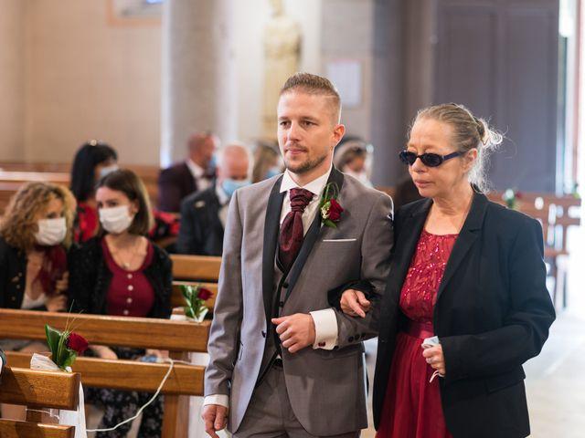 Le mariage de Vanessa et Nicolas à Saint-Priest, Rhône 43