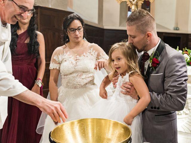 Le mariage de Vanessa et Nicolas à Saint-Priest, Rhône 59