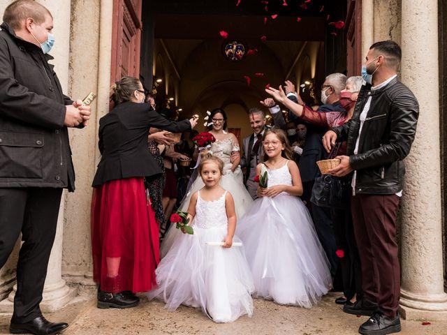Le mariage de Vanessa et Nicolas à Saint-Priest, Rhône 75