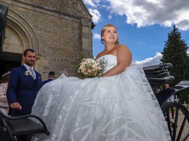 Le mariage de Charly et Pauline à Saint-Ouen-du-Mesnil-Oger, Calvados 33