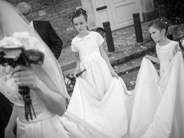 Le mariage de Vincent et Barbara à Bourg-des-Comptes, Ille et Vilaine 32