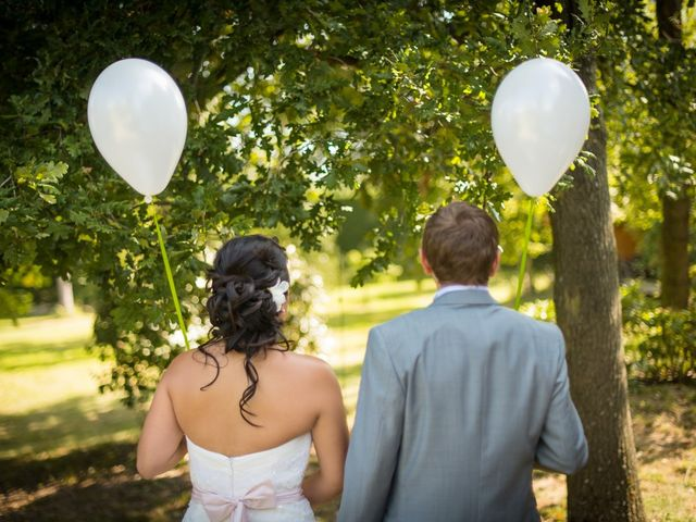 Le mariage de Victor et Youlie à Charly, Rhône 15