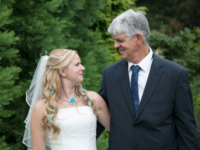 Le mariage de Amélie et Benoît à Leers, Nord 30