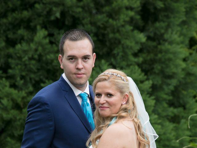 Le mariage de Amélie et Benoît à Leers, Nord 32