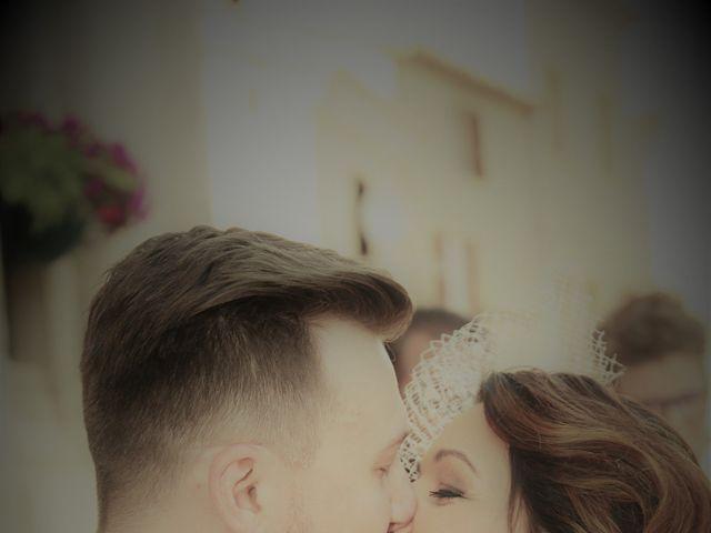 Le mariage de Emmanuel et Chloe à Saint-Gilles, Gard 8