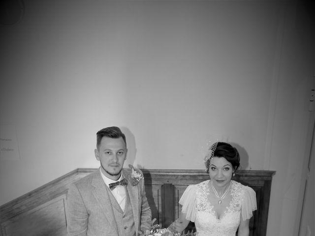 Le mariage de Emmanuel et Chloe à Saint-Gilles, Gard 9