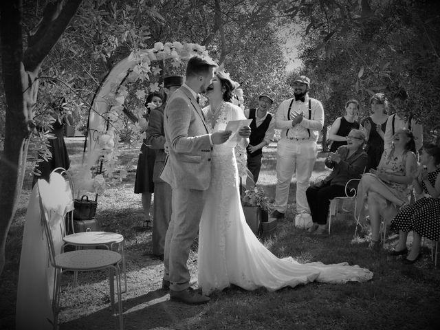 Le mariage de Emmanuel et Chloe à Saint-Gilles, Gard 1