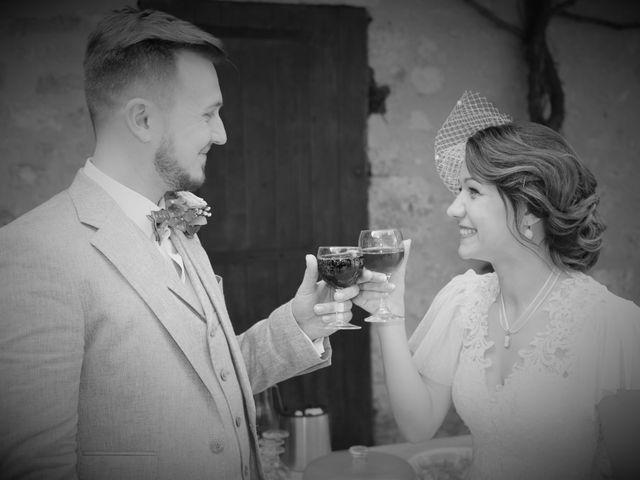 Le mariage de Emmanuel et Chloe à Saint-Gilles, Gard 15