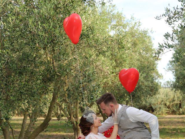 Le mariage de Emmanuel et Chloe à Saint-Gilles, Gard 19
