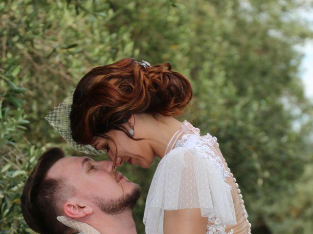 Le mariage de Emmanuel et Chloe à Saint-Gilles, Gard 20