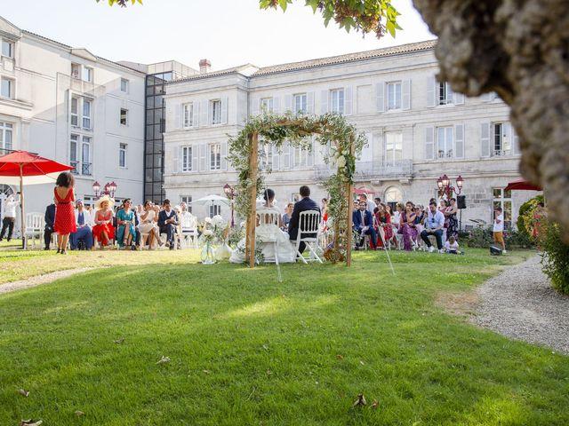 Le mariage de Charles-Henry et Sana à Angoulême, Charente 40